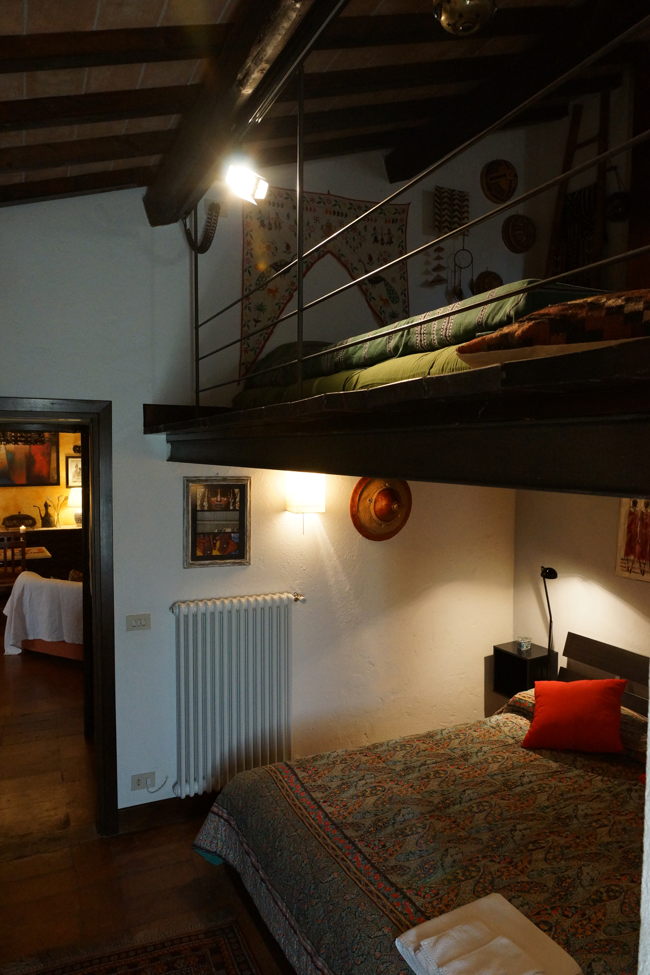 Vacanze in Umbria - Bed & Breakfast - umbria (MASSA MARTANA -  Perugia - PG) ~ camera da letto area soppalco