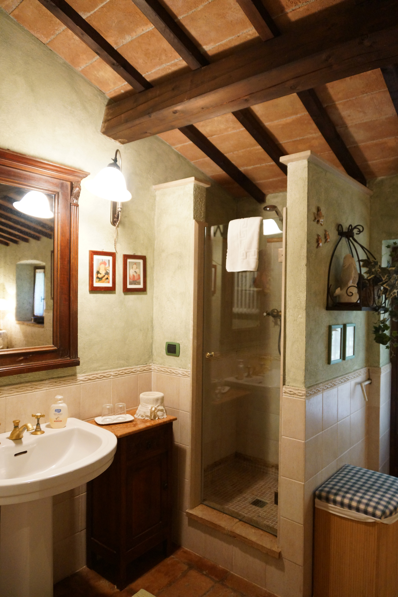 Vacanze in Umbria - Bed & Breakfast - umbria (MASSA MARTANA -  Perugia - PG) ~ bagno